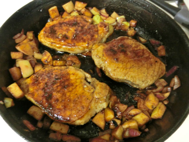 Bourbon apple pork chops